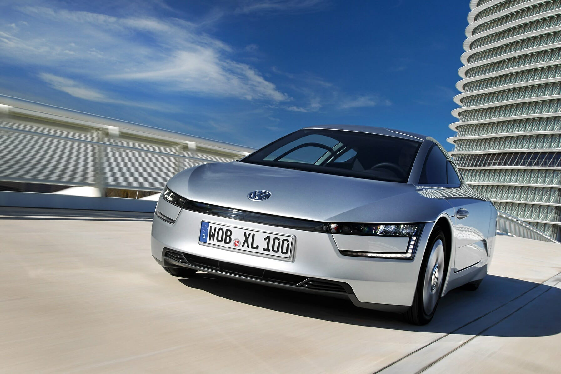 Volkswagen Recently Launched Its Most Advanced Car Yet The Xl1 German Carmaker S First Plug In Hybrid Is Said To Get Over 300 Miles A Gallon
